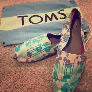 Toms Shoes - Toms Palm Tree Canvas Flats